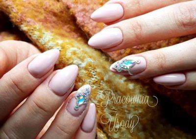 manicure_paznokcie_salon_kosmetyczny_poznan057